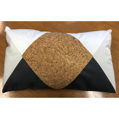 CORK CUSHION 30 X 50 cm